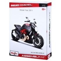 Model motocykla Maisto Ducati Diavel Carbon Kit
